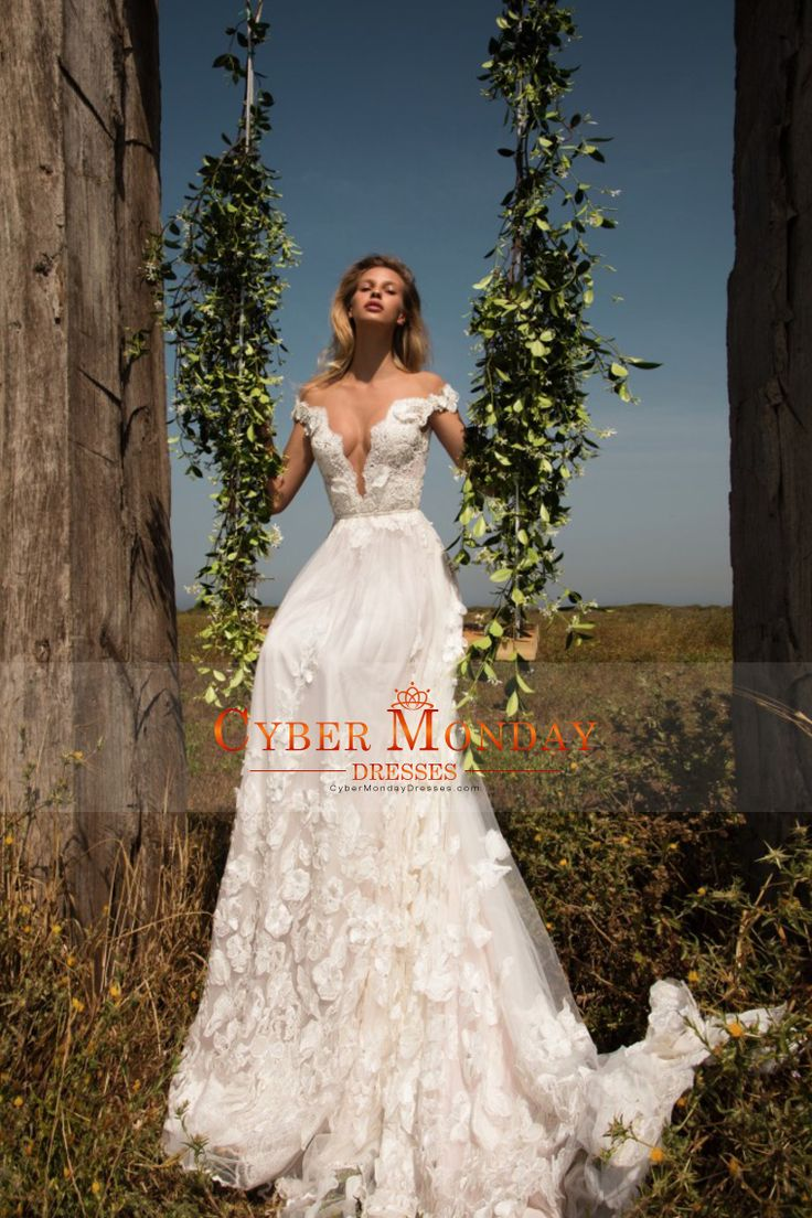 2017 Off The Shoulder A Line Tulle Wedding Dresses With Handmade Flowers