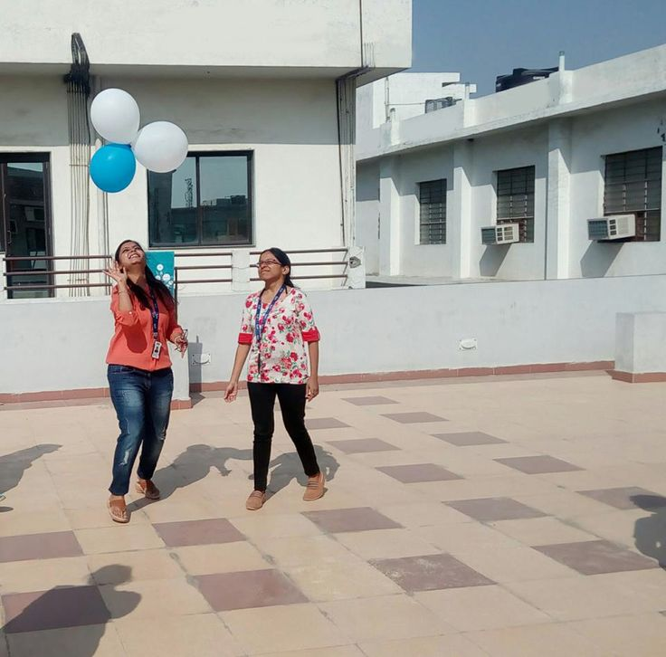 Saturdays are the fun day at HTS, balloons #Prettyfaces #bright sun a perfect start for Saturday. Make your Saturday more thrilling by visiting our office pictures. #HTS #HTSSaturdayOffice #HTSSaturdayFun #HTSEmployee #HTSFloor #HTSBalloonsFun #HTSPrettyFaces #HTSTerrace #BlueSky #HTSBlueColour Hipp Hipp Hurra! Its Saturday.