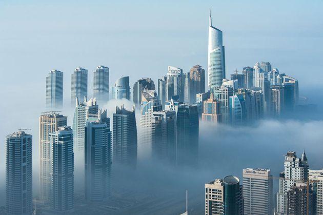 Dubai en un mar de nubes Foto: Sebastian Opitz