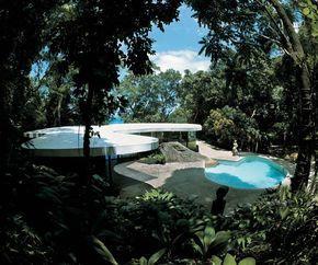 Villa by Oscar Niemeyer
