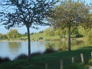 Balade , rando 8 km lac chambray - OnVaSortir! Tours