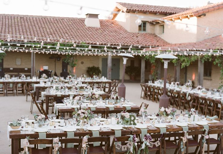 TheSanta Barbara Historical Museumwasalready on the fast track to becoming one of my favorite venues, even before this lovely wedding. But now that I see it all decked out with the fabulous stylings ofKim Curtis of TOASTand some crazy cools odes