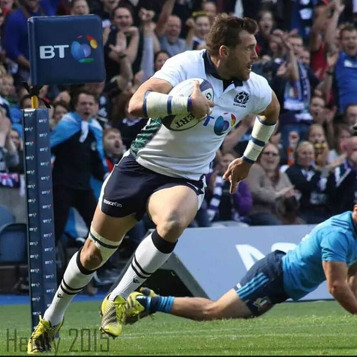 At the Scotland v Italy game yesterday,  here's Sean Lamont scoring a try #scottishrugby #rugby