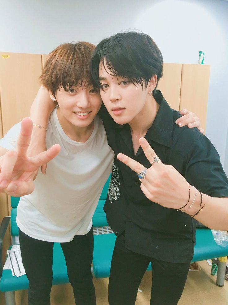 Jimin and Jungkook ❤ [BTS Official Trans Tweet] [#오늘의방탄] 쇼음악중심 울산특집 스페셜 엠씨를 맡은 지민과 정국! 야무지게 진행하는 모습을 보며 뿌듯하고 흐뭇하게 보았던 건 나 뿐만이 아닐테지요... #정국 #지민 / [#Today's Bangtan] Jimin and Jungkook, who were the special MCs for Music Core Ulsan Summer Festival!