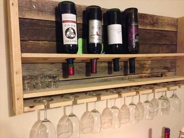 Beautiful movable bar with wood pallet wine rack pallet for Movable pallets
