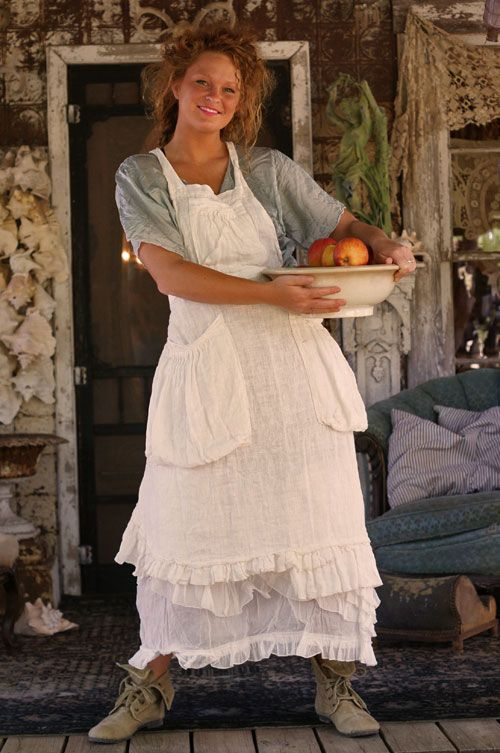 Magnolia Pearl ApronMagnolias Pearls Style, Farms Dresses, Linens Aprons, Farms Aprons, Country Outfit, Country Girls, Chic Style, Farms Life, Magnolias Pearls Clothing