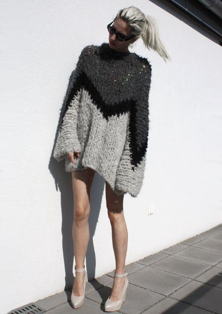 Grey knitted intarsia dress, contemporary knitwear // Gudrun Gudrun
