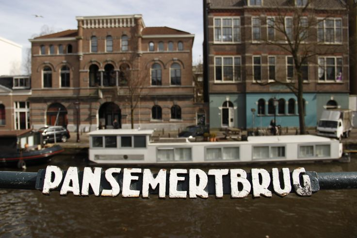 Amsterdam: a name for every bridge across every canal...