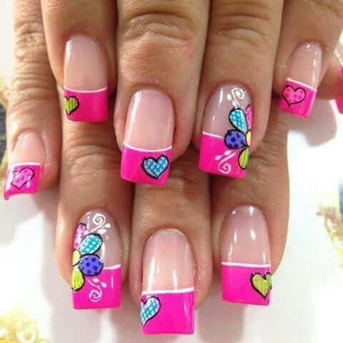 Esmaltado de uñas Flores Corazones Colores Rosados
