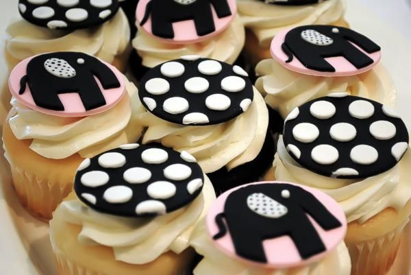 cupcakes - karaspartyideas: Shower Ideas, Themed Baby Showers, Black And White, Ideal Photo, Baby Wedding Shower, Black White, Parties Theme Ideas, Parties Ideas, Polka Dots Cupcakes