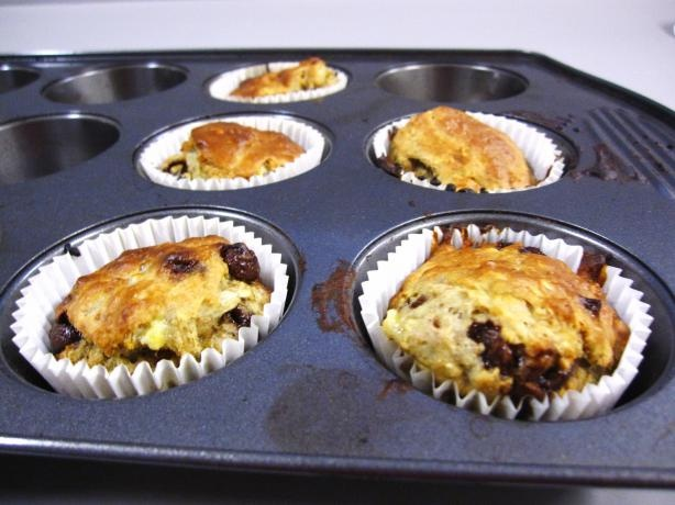 Low Fat Banana Oatmeal Chocolate Chip Muffins