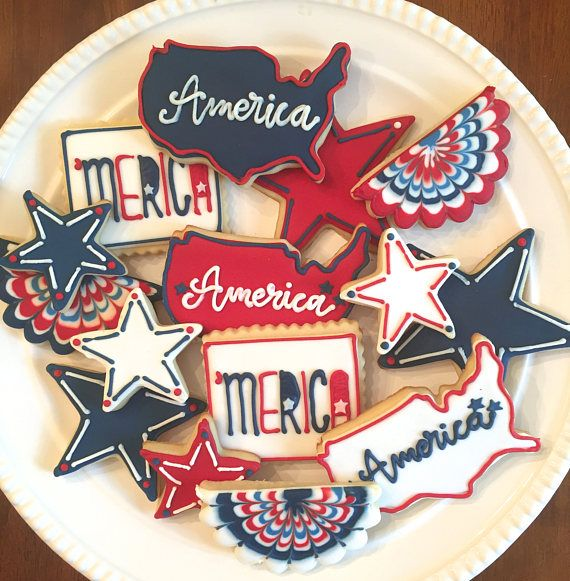 These soft, delicious, vanilla/almond flavored cookies would make the perfect addition to your Fourth of July or Memorial Day barbecue. This listing includes 3 of each: -America -Stars -MERICA -Bunting  This listing is for one dozen cookies. The minimum order is for a dozen, but any quantity over 12 is available. Each cookies is $3, so your total (minus shipping) will be your desired number of cookies times 3.  ***Please contact me before placing an order to be sure I am available. I bak...