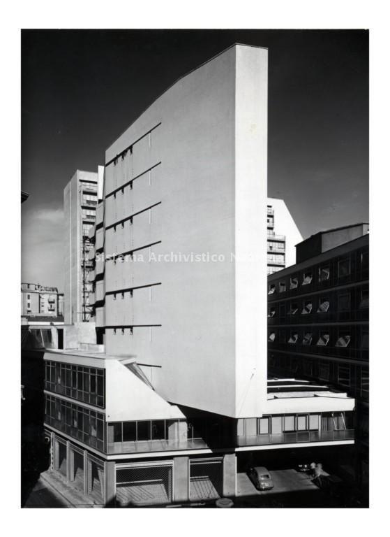 Luigi Moretti, Complesso edilizio in via Rugabella, Milano 1949