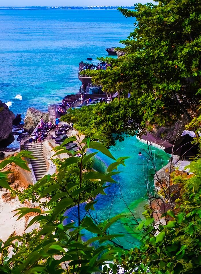 The view of the Rock Bar as we walked to it.. just unreal :)  Bali !!