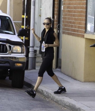 Celebrity Workout Clothes - What to Wear While Working Out