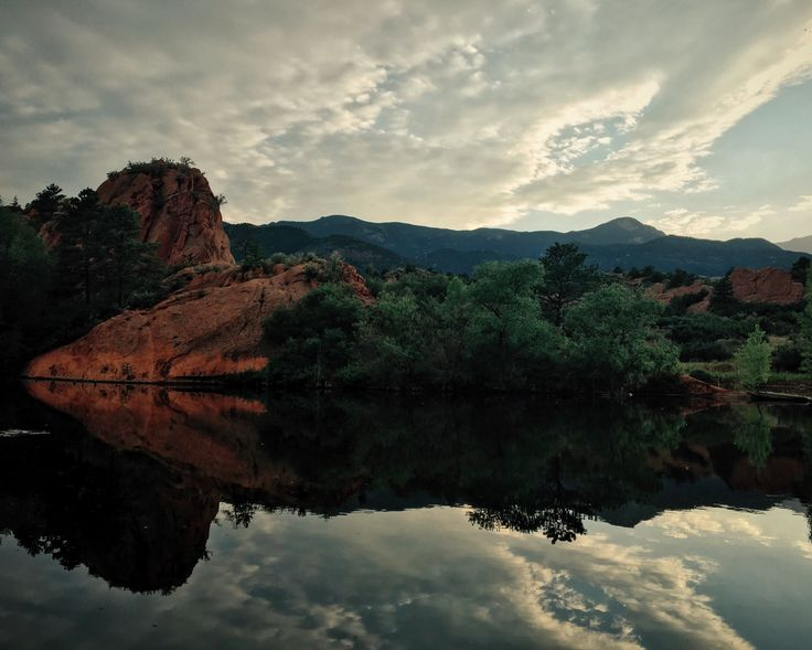 Colorado Springs, United States. Travel blog http://trvl-blog.com about living in the United States. Manitou Springs. Red Rock Canyon. Garden of the Gods. Manitou Incline. туризм в колорадо-спрингс, сша, жизнь в америке, колорадо, маниту-спрингс колорадо, туризм в колорадо, red rock canyon colorado usa