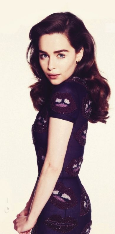 "Emilia Clarke est Daenerys Targaryen ""Khaleesi"" - Game of Thrones"
