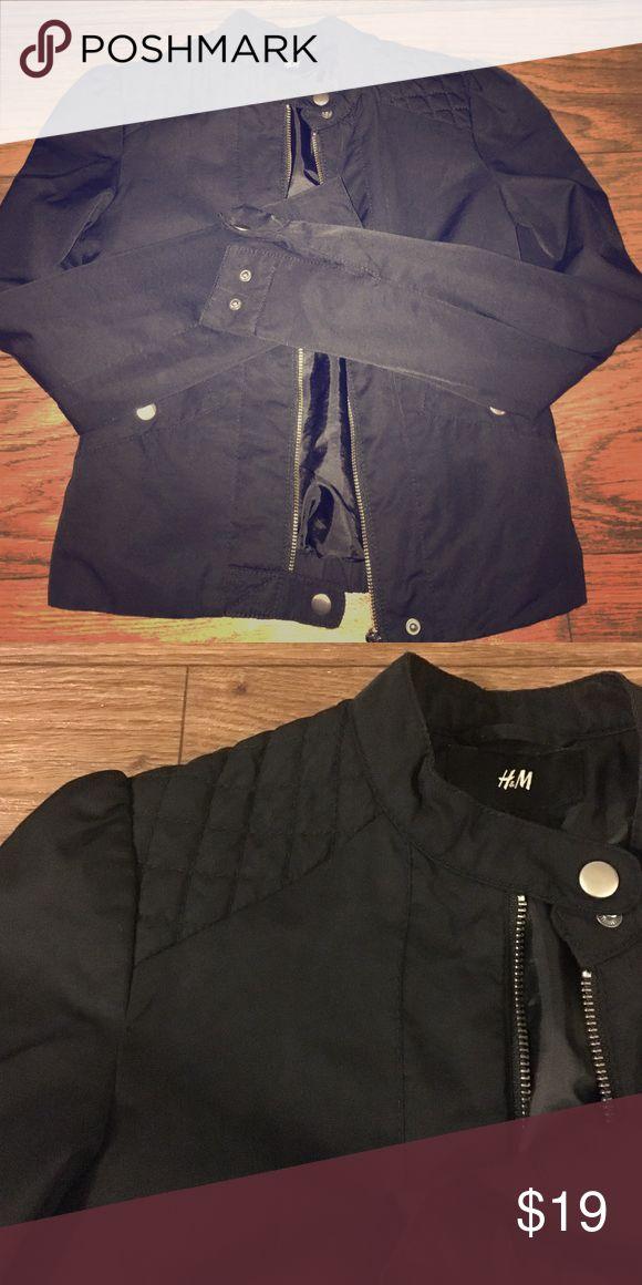 Jacket Very flattering style jacket. Like new. H&M Jackets & Coats Blazers