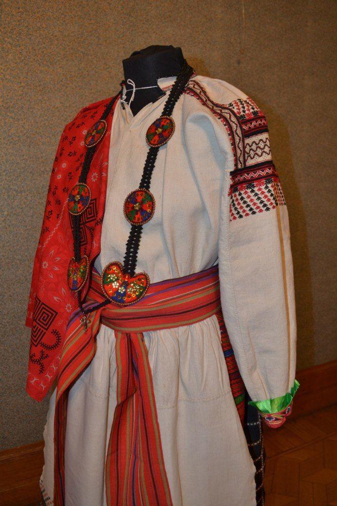 Женский праздничный костюм села Верхняя Покровка, Красногвардейского района, Белгородской области (Бирючинский уезд)