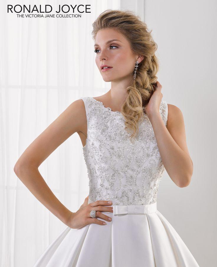 9 besten Victoria Jane for Ronald Joyce at Icon Bridal Bilder auf ...