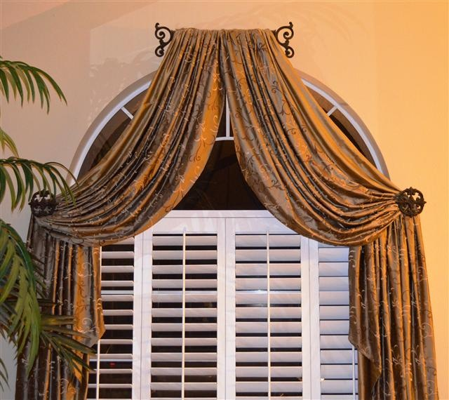 Shutters with drape for arched windows definitely a diff for Window treatment for oval window