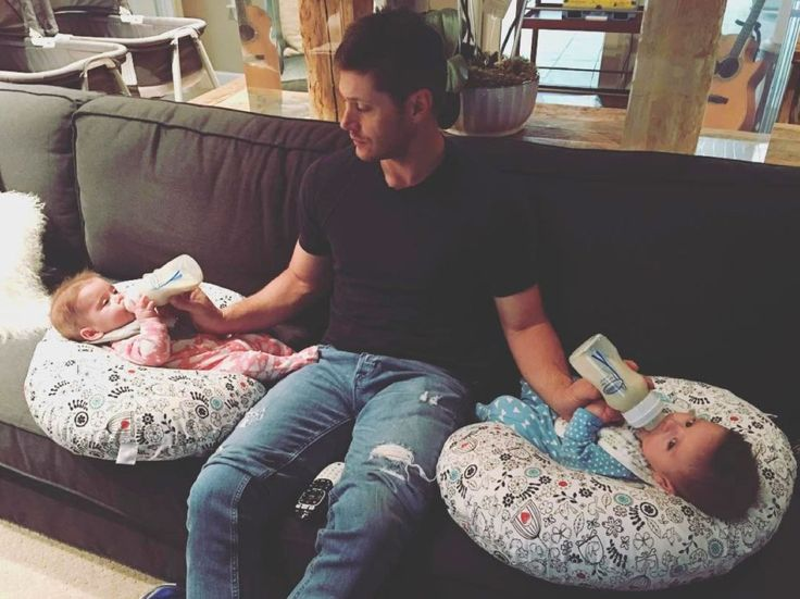 Double Daddy Duty! Jensen Ackles Masterfully Feeds His Adorable Twins Simultaneously