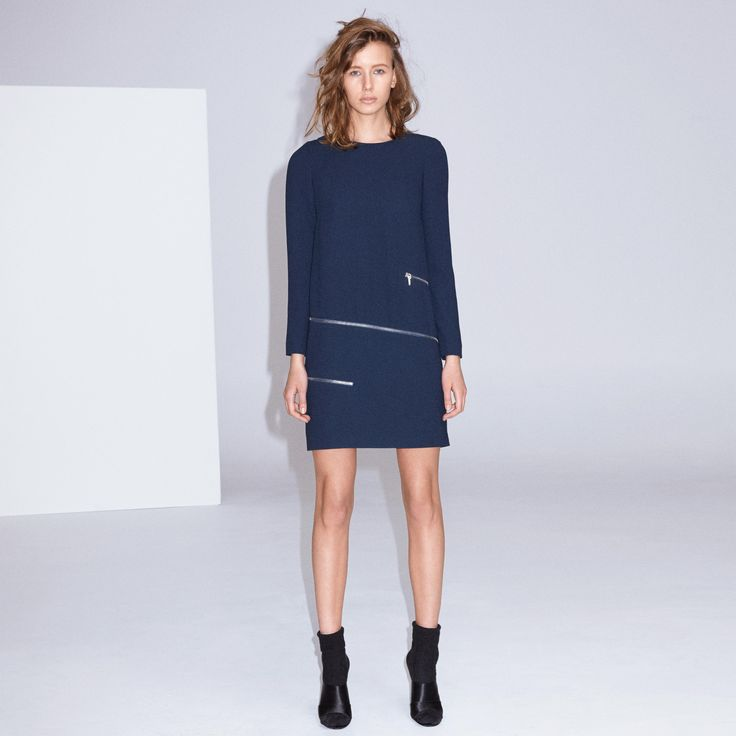 FWSS Carry Me is a minimalistic shift dress in crepe fabric with silver zipper detailing around the hips. Centre back zipper.