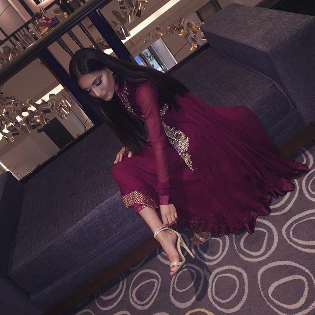 WEBSTA @ moonisah___ - Pretending to fix my shoe 💅🏽