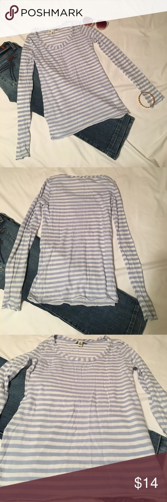 Banana Republic Soft T-Shirt Size XS Banana Republic Very Soft Wash T-Shirt. Baby blue grey and white striped long sleeve T-Shirt. Perfect for summer nights! Great paired with Jeans or White Skirt or White Jeans! Banana Republic Tops Tees - Long Sleeve