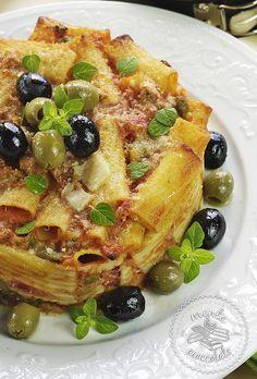 Timballo di maccheroni con tonno ed olive