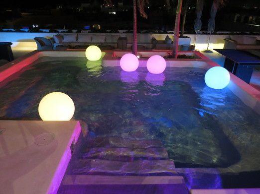 Esferas led para tu boda en Cancún