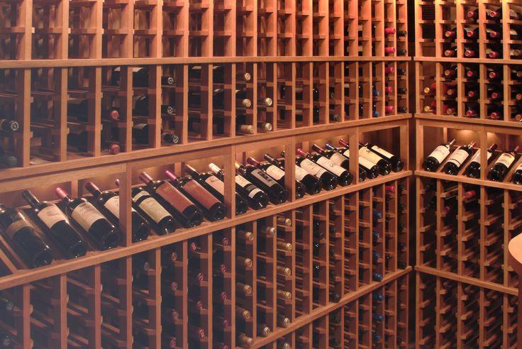 Надежное хранение вина   После того как виноградный сок перебродит и превратится в прекрасное вино его разливают в стеклянные бутылки.  http://privatnamarka.com/category/domashnee-vinodelije/hranenie-vina/  Лучшее место для винных бутылок – винный шкаф или винный бар.  http://privatnamarka.com/category/domashnee-vinodelije/hranenie-vina/vinnye-shkafy-bary/  Бары и винные шкафы разнятся формой, положением бутылок и размерами…
