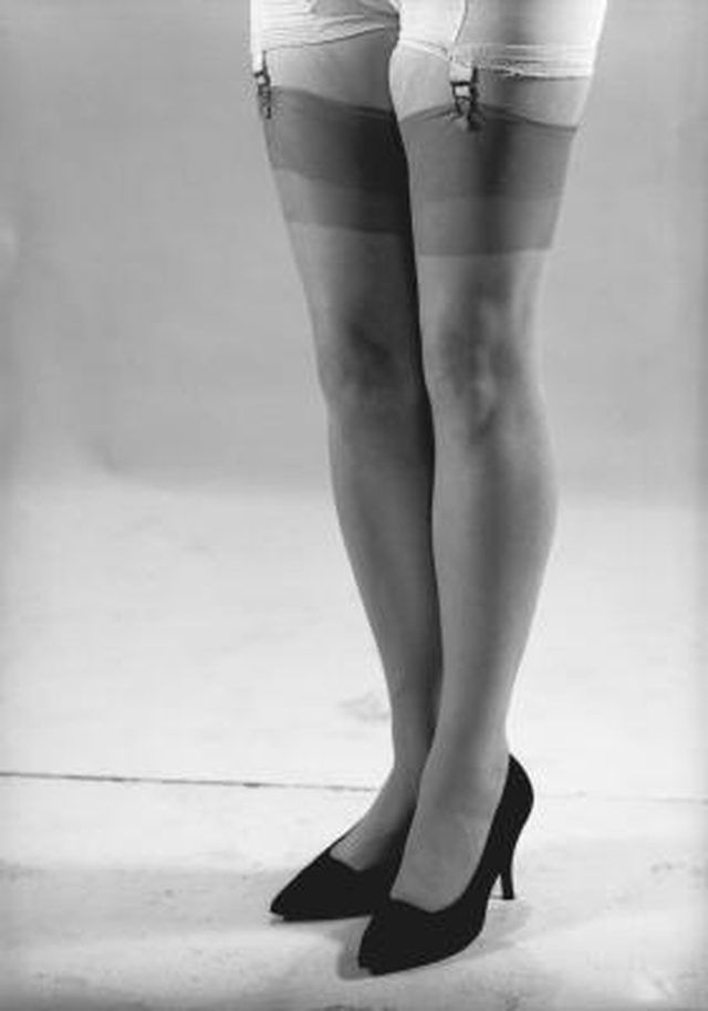 What Types of Hosiery Did Women Wear in the 50's?   LEAFtv
