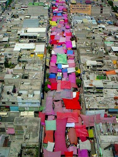 Street Market, Mexico City #colors #photography El tianguis desde el cielo