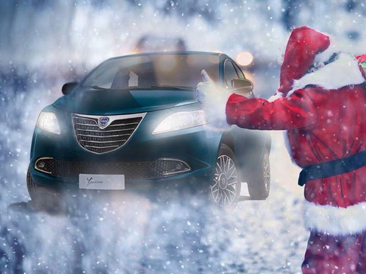 Święty Mikołaj jeszcze nigdy nie jechał do Was tak stylowym pojazdem! ;)