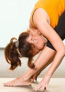 Dag 10 van de Zomer Fit Challenge geven we je een paar fijne yoga-oefeningen. Zitten je schouders af en toe…