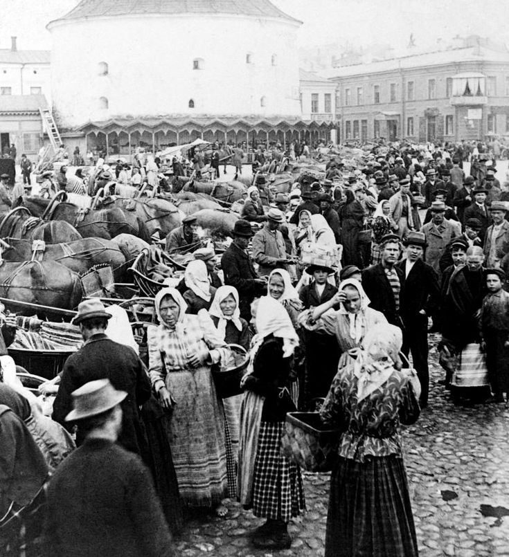 Viipuri, the town of Carelians | VIIPURI, karjalaisten kaupunki - Vyborg Market Place C 1897
