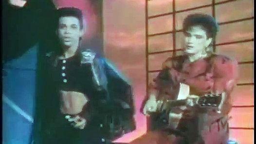 Prince - Kiss (Video)
