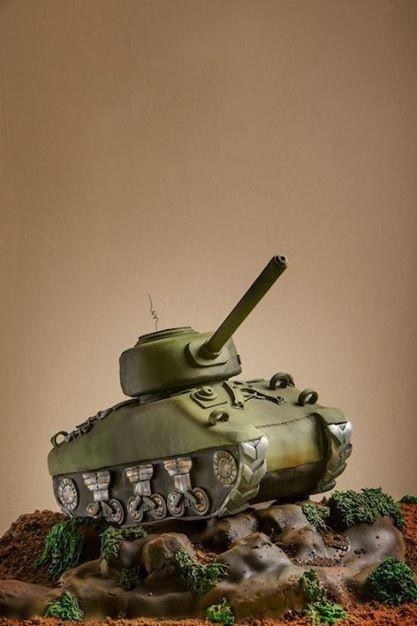 M4 (Sherman) Tank - Cake by Kasserina Cakes