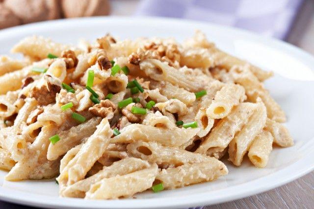 Salsa di noci, la ricetta per preparare in casa un delizioso condimento per la pasta