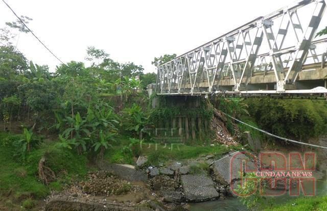 Jembatan Darurat Nias Dapat Dilalui Kendaraan Roda Empat Jembatan Perjalanan Darat Empati