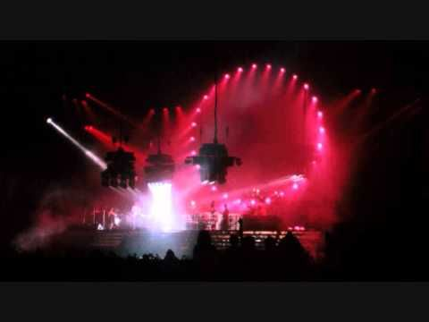 Pink Floyd Live - The Dogs Of War - 19th August 1988 - YouTube