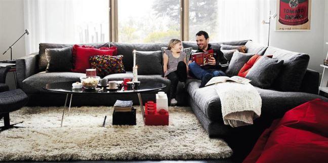 Generös hörnsoffa Alaska har öppet avslut, tyg Ritual och soffan finns i många olika tyger, bredd 345/235 x 83 x 108 centimeter, cirkapris 35 780 kronor, Svenska Hem.