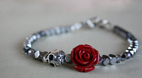 Hey, I found this really awesome Etsy listing at https://www.etsy.com/listing/220079959/womens-skull-bracelet-skull-jewelry