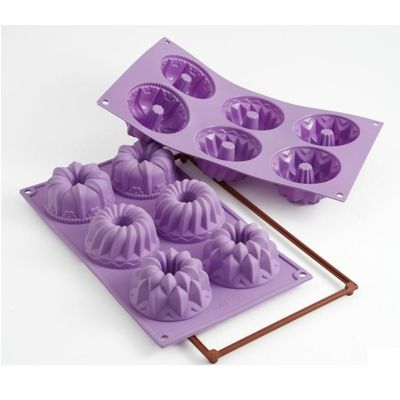 Forma FANTASIA, cor lilás, com 6 cavidades para Pudins, Muffins, Cup Cakes, com volume de 100ml cada.  http://monteluce.com.br/silikomart/forma-fantasia-cor-lilas-com-6-cavidades-para-pudins-muffins-cup-cakes-com-volume-de-100ml-cada-com-anel-de-seguranca?page=3  #decor #decorar #decoracao #casa #monteluce #decoracaodeinteriores #festa #casamento #thisisliving #casa #decor  #silikomart #silicone #utensílios #formadesilicone #forma #fantasia http://monteluce.com.br