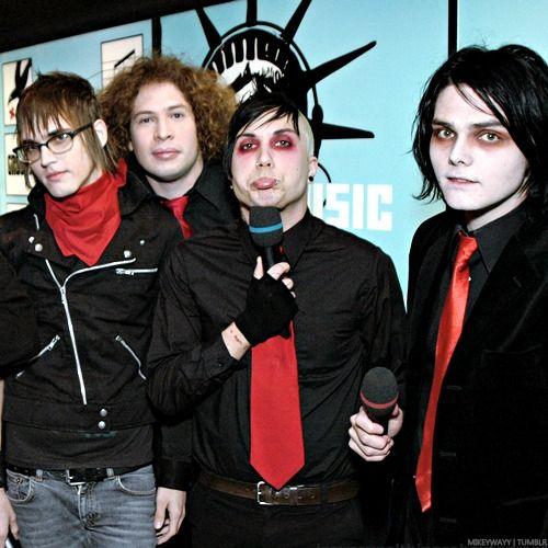 Romantic Bands: 251 Best My Chemical Romance Images On Pinterest