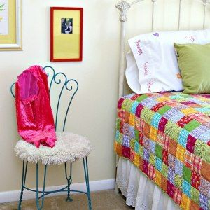http://petticoatjunktion.com/painted-furniture/furry-feel-good-start-day-little-turquoise-love/
