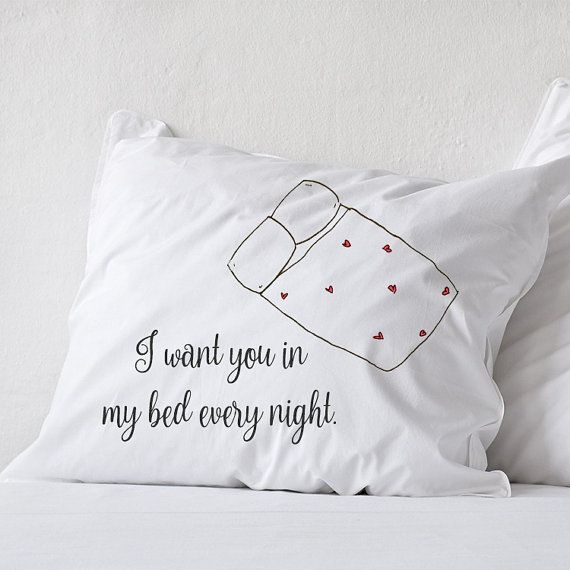 25+ best ideas about Long distance relationship pillow on Pinterest Boyfriend pillow, College ...