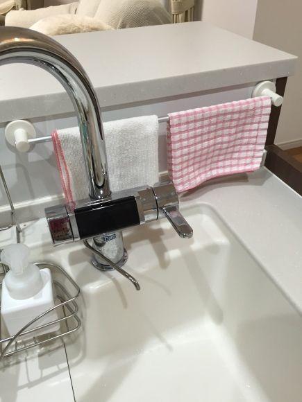無印良品のタオルハンガーが使いやすいと人気。キッチンや浴室など便利な活用例を紹介 | iemo[イエモ]