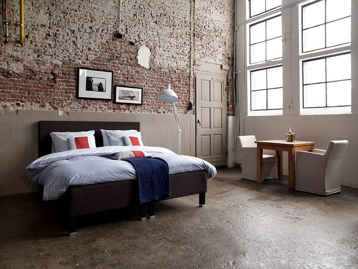 If I were single, had lots of money and decided to buy a badass downtown loft, this would be my bedroom pick!